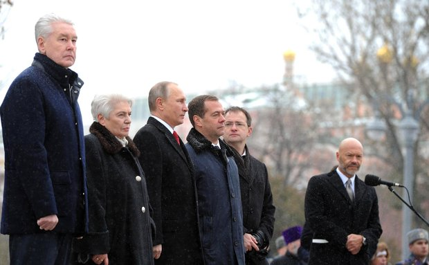 pamyatnik_vladimiru-moskva-5