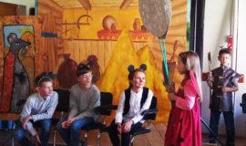 Театральная студия воскресной школы выступила со спектаклем в «SOS-Детской деревне в Боровлянах»