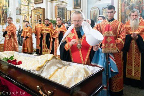 Митрополит Вениамин совершил заупокойную литию поновопреставленному протоиерею Феодору Кривоносу